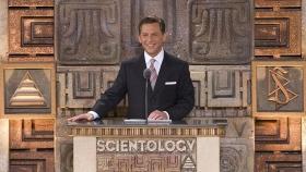 מר דיוויד מיסקביג׳, המנהיג של דת הסיינטולוגיה ויושב ראש מועצת המנהלים של Religious Technology Center, ניהל את טקס הפתיחה של ארגון הסיינטולוגיה האידיאלי הלאומי החדש של מקסיקו.