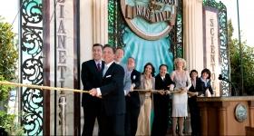 מרמיסקביג' ניהל את טקס גזירת הסרט, כשהוא מלווה במנהלים של הארגון ואורחים מיוחדים, כדי לפתוח באופן רשמי את דלתותיו של ארגון הסיינטולוגיה וה-Celebrity Centre של נאשוויל עבור כולם.